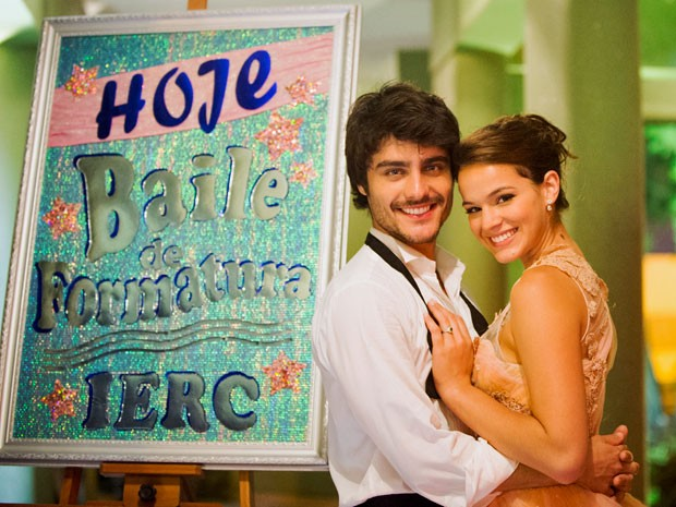 Músicas românticas embalam a história de amor de Laerte e Helena (Foto: João Miguel Júnior/TV Globo)
