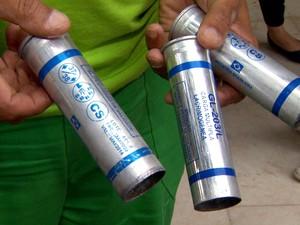 Cápsulas de gás lacrimogêneo são encontradas em frente à Prefeitura de Campinas (Foto: Reprodução/ EPTV)
