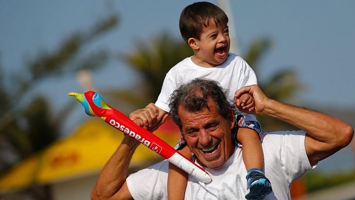 Bernardo Lomba revezamento da tocha paralimpica (Foto: Andre Luiz Mello / Rio 2016)