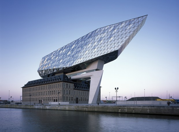 predios-modernos-com-fachadas-incriveis-antwerp-port-house-zada-hadid-belgica (Foto: Reprodução/Helene Binet)