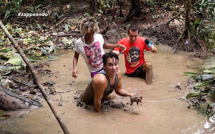 Titia Tal Qual se diverte no 'Zappeando' (Foto: Rede Amazônica)