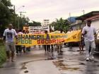 Moradores do bairro Parque 10 fazem protesto por segurança, em Manaus