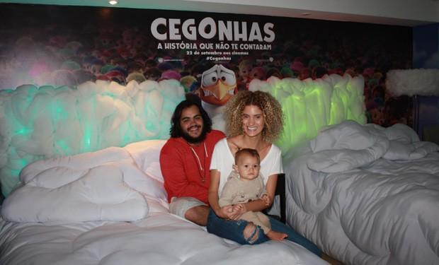 Francisco Gil e Laura Fernandez com Sol de Maria (Foto: Divulgação)