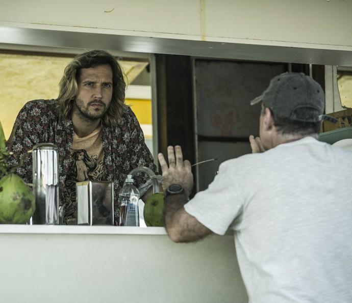 Vladimir Brichta grava cenas de Celso ao lado do diretor Marcus Figueiredo (Foto: Ellen Soares/Gshow)