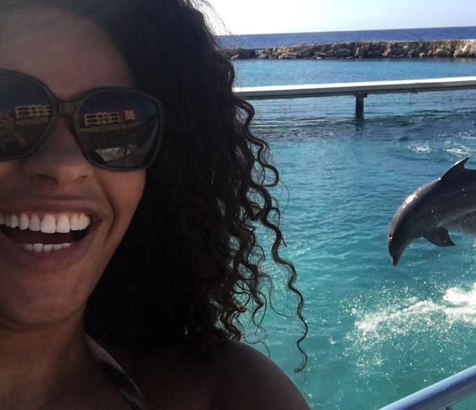Juliana Alves se encantou pelos golfinhos (Foto: Arquivo pessoal)