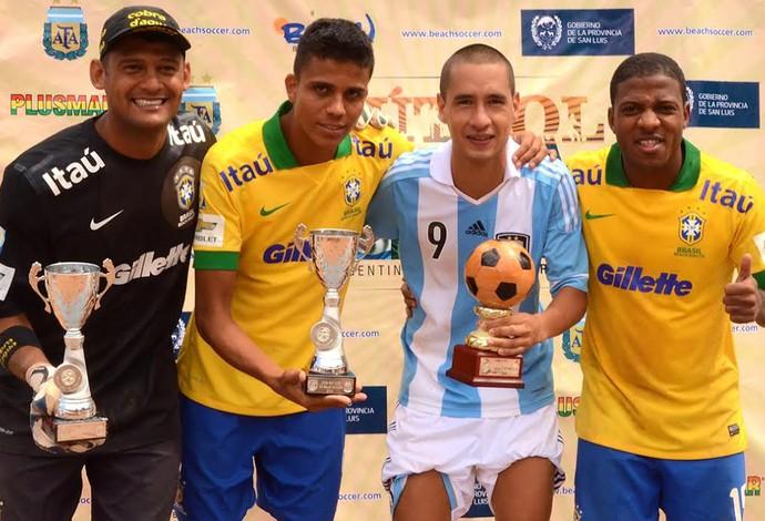 Futebol de Areia - mão, mauricinho, bokinha (Foto: beachsoccer.com)