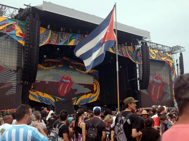 F�s chegam para ver show dos Rolling Stones em Havana, primeira apresenta��o da banda em Cuba (Foto: AFP/Rodrigo Arangua)