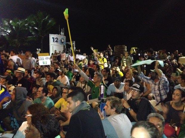 Protesto na Zona Sul do Rio ocorreu de forma pacífica. (Foto: Tássia Thum/G1)
