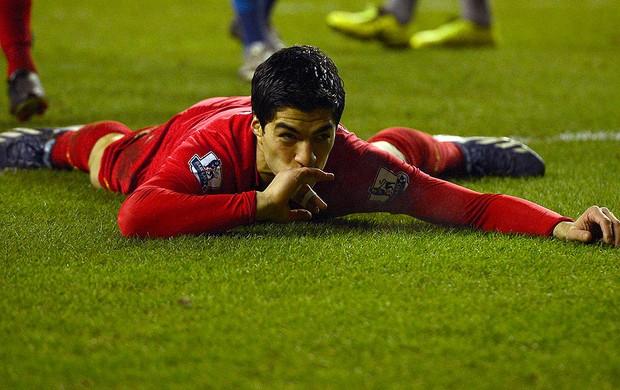 luis suarez liverpool gol wigan (Foto: Agência Reuters)