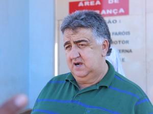 Presidente do Montes Claros F.C. esteve na Penitenciária de Francisco Sá nesta tarde. (Foto: Valdivan Veloso / G1)
