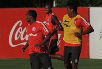 Diego Aguirre Nicolás Freitas Anderson Alan Costa Inter (Foto: Tomás Hammes / GloboEsporte.com)