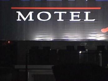 Religiosos foram flagrado em um motel de Toledo (PR) com adolescente de 17 anos (Foto: Reprodução / RPC TV)