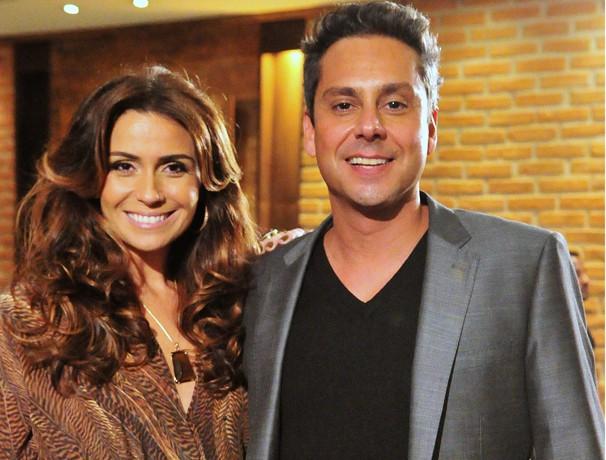 Helô (Giovanna Antonelli) acusa Stênio (Alexandre Nero) de soltar os bandidos que ela dá duro para conseguir prender (Foto: João Miguel Jr./ TV Globo)