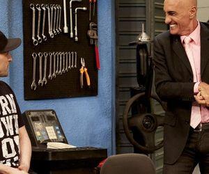"""Paulo Gustavo brinca com Amin Khader no camarim do Vai Que Cola: """"Não vai falar mal de mim, hein?"""""""