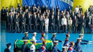 Cerimônia de chegada a Brasília dos restos mortais de Jango (Foto: BBC)