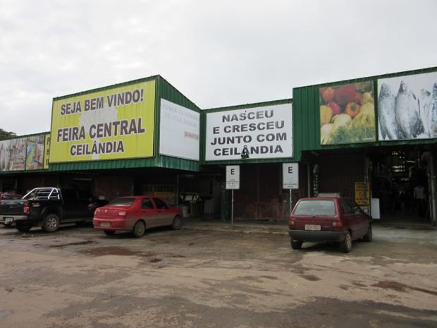 Entrada da Feira Central de Ceilândia, no Distrito Federal (Foto: Luciana Amaral/G1)