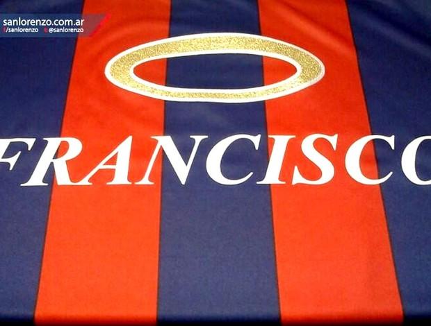 camisa San Lorenzo Papa Francisco homenagem (Foto: Reprodução / Twitter)