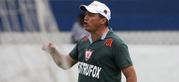 João Galvão continua no comando do Águia na Série C (Foto: Antonio Cícero/Especial)