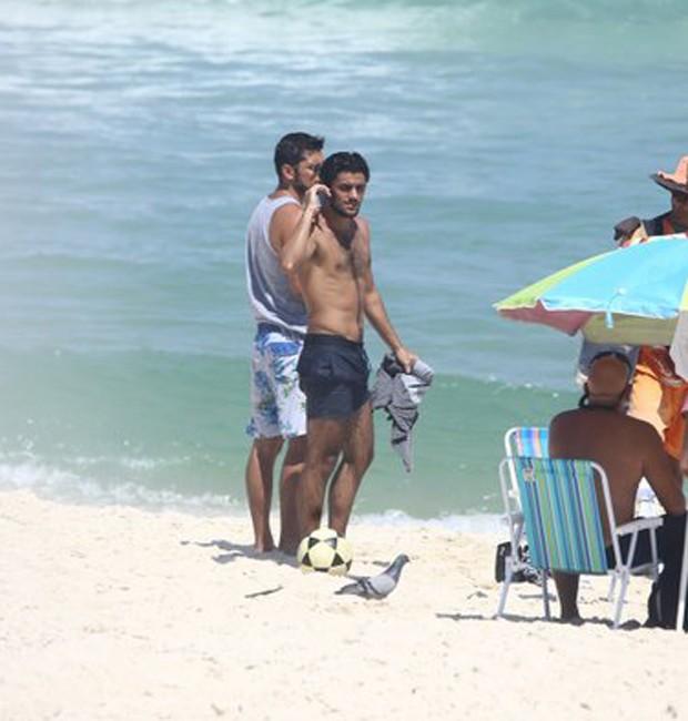 Felipe Simas e Bruno Gissoni (Foto: AgNews)