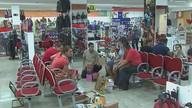 Lojas começam a liquidar os produtos de verão em Araraquara