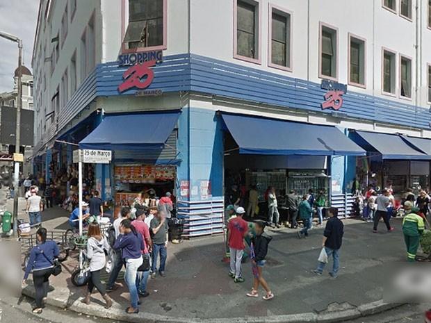 3ce79d37db4c8 G1 - 19 lojas da Paulista vendem bolsas piratas por até R  3 mil ...