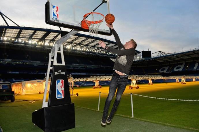 Estrelas da NBA visitam o Chelsea em Londres (Foto: Divulgação)