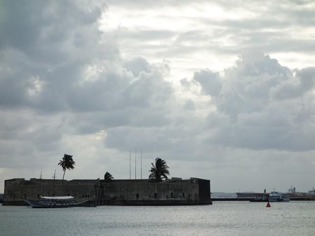 Após conclusão de obras, público poderá ver o Forte de São Marcelo da praça do terminal-1 (Foto: Egi Santana/G1)