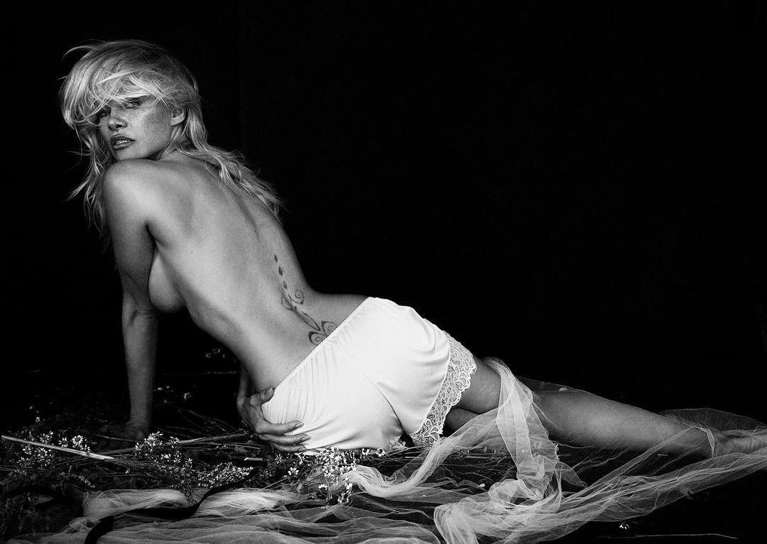 Pamela Anderson (Foto: Reprodução/ Instagram)