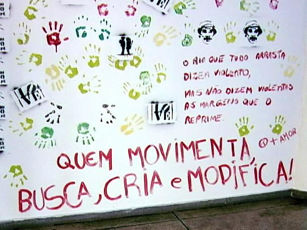 vandalismo parede uftm (Foto: Reprodução/TV Integração)