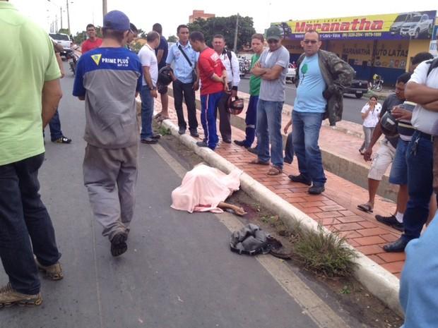 Idoso morre ao atravessar BR - 316 em Teresina (Foto: Gil Oliveira/G1)