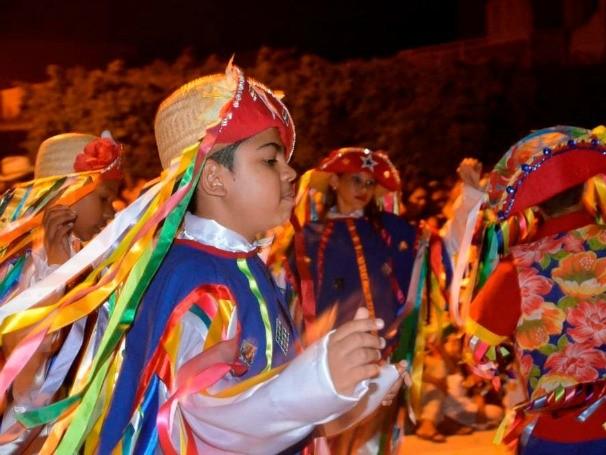 Alunos são crianças e adolescentes atendidos pelo projeto Centro de Cultura Esporte e Cidadania (Foto: Divulgação)