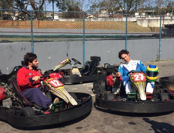 Bruno e Hugo disputaram uma corrida de kart e o ator experimentou, pela primeira vez, dirigir em alta velocidade (Foto: Divulgação)