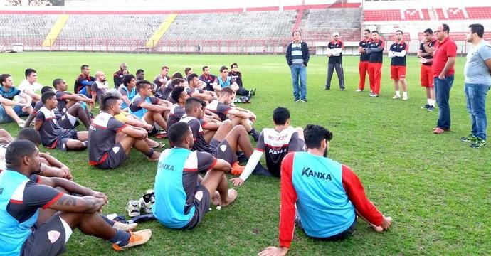 Presidente do Mogi se reuniu com jogadores para explicar salários atrasados (Foto: Marcelo Gotti/Mogi Mirim)