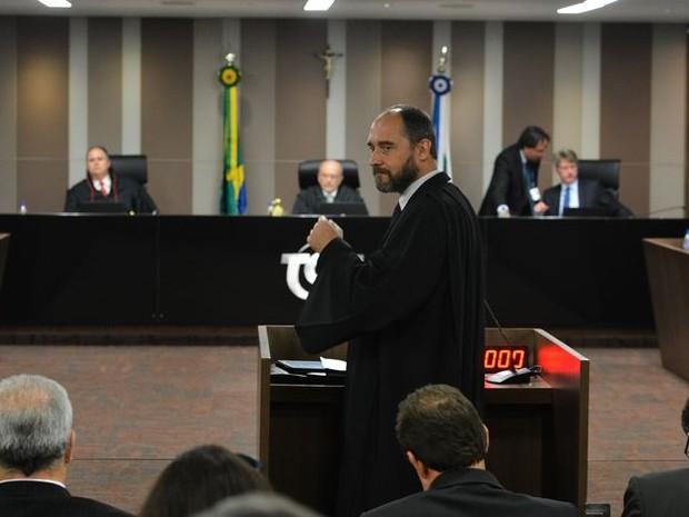 Advogado-geral da União defende governo frente ao TCU (Foto: Valter Campanato/Agência Brasil)