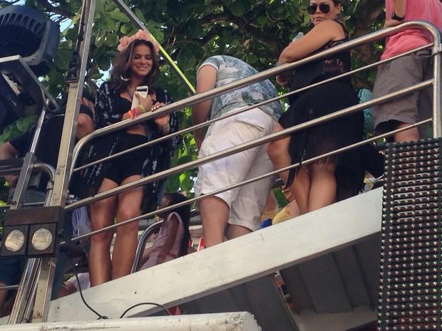 Bruna Marquezine no trio de ivete (Foto: Midiã Noelle/G1)