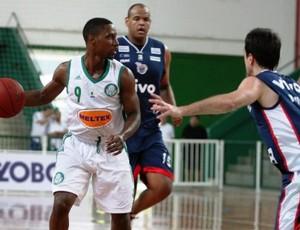 Caleb Brown foi um dos destaques da vitória do Palmeiras sobre o Franca pelo Novo Basquete Brasil (Foto: Divulgação/LSB)