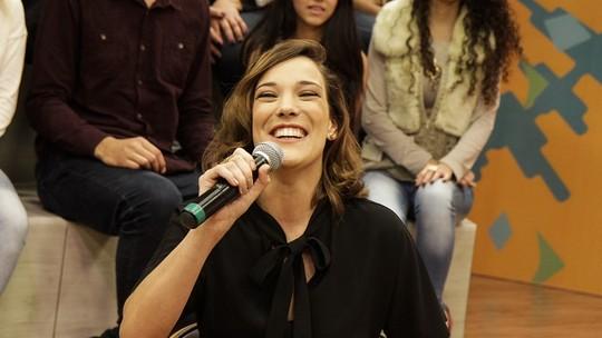 Adriana Birolli revive Maria Marta em jogo de perguntas e respostas