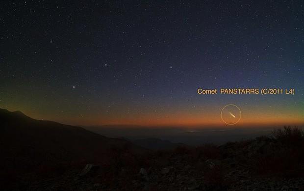 O cometa Panstarrs, em foto capturada neste domingo (3 de março de 2013), no Chile (Foto: Yuri Beletsky, Observatorio de Las Campanas, Chile)