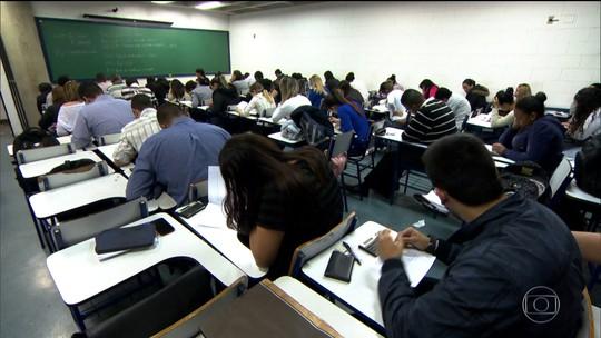 Veja opções de financiamento para aluno que perdeu Fies manter estudo