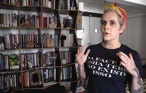 Em vídeo inédito, Fernanda Young fala sobre o amor por seu apartamento em São Paulo