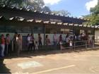 Início da vacinação contra H1N1 no DF forma filas em postos de saúde