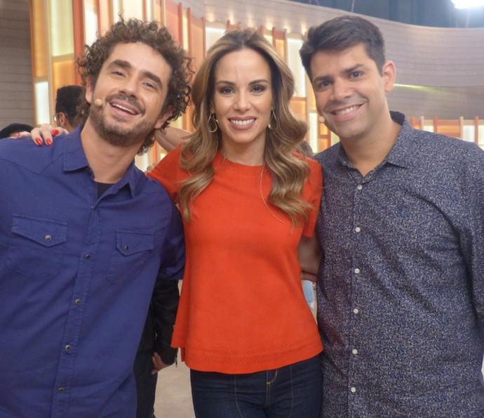 Felipe Andreoli, Ana Furtado e Lair Rennó apresentaram o Encontro desta quarta-feira, 2/11 (Foto: Paula Oliveira/Gshow)
