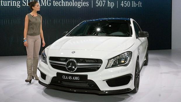 Mercedes CLA45 AMG é apresentado oficialmente