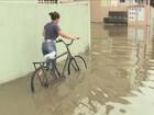 Com casas alagadas, moradores pedem drenagem no Norte da Ilha
