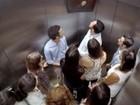 Em ação de marketing, restaurante faz 'pegadinha' em elevador de SP