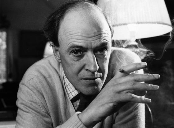 O escritor britânico Roald Dahl (1916 - 1995), em foto de 1971 (Foto:  Ronald Dumont/Daily Express/Getty Images)