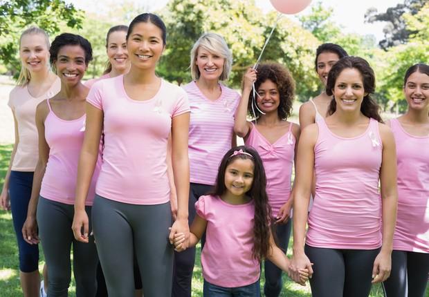 Outubro Rosa é uma campanha de conscientização que tem como objetivo principal alertar as mulheres e a sociedade sobre a importância da prevenção e do diagnóstico precoce do câncer de mama e tem como símbolo um laço rosa (Foto: Thinkstock)