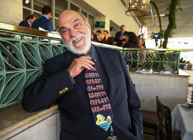 Lima Duarte elege gravata engraçada para  Grande Prêmio São Paulo de Turfe  (Foto: Raphael Castello/AgNews)