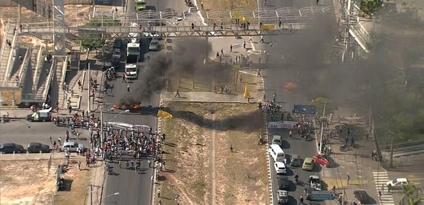 Integrantes de ocupações fazem manifestação em Belo Horizonte. (Foto: Reprodução/TV Globo)