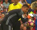 """TV flagra provocação de Diego Alves a Messi em pênalti: """"Já te parei, lembra?"""""""
